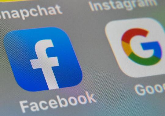 Así es como Facebook y Google controlarán aún más las noticias en el mundo
